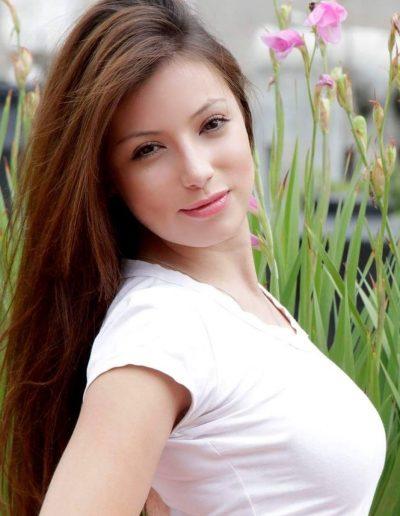 Vivi Soto (2)